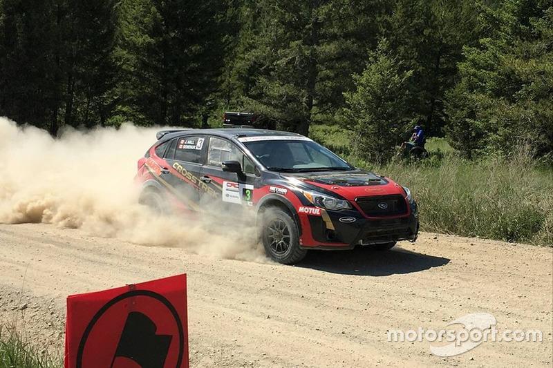 Брендон Семенюк, Джон Холл, Subaru Crosstrek