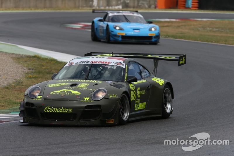 Porsche 997 GT3 R #88 Ebimotors: Venerosi-Baccani