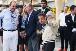Bernie Ecclestone con Jean Alesi