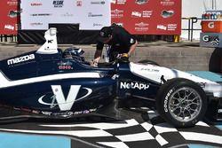 Le vainqueur Kyle Kaiser, Juncos Racing