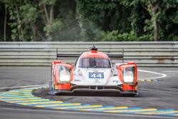 Escursione fuori pista per #44 Manor Oreca 05 Nissan: Tor Graves, Matthew Rao, Roberto Merhi
