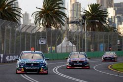 Craig Lowndes, Triple Eight Race Engineering Holden et Shane van Gisbergen, Triple Eight Race Engineering Holden