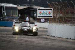 #60 Michael Shank Racing és Curb/Agajanian Ligier JS P2 Honda: John Pew, Oswaldo Negri, Olivier Pla