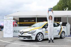 Alessandra Brena festeggia il titolo della Clio Cup Press League