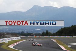 Toyota Racing bayrakları
