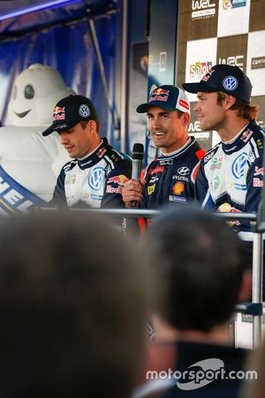 Daniel Sordo, Hyundai i20 WRC, Hyundai Motorsport; Sébastien Ogier, Volkswagen Polo WRC, Volkswagen