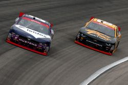 Darrell Wallace Jr., Roush Fenway Racing Ford, Brendan Gaughan, Richard Childress Racing Chevrolet