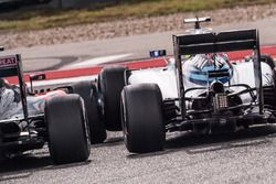 Contact entre Fernando Alonso, McLaren MP4-31 et Felipe Massa, Williams FW38
