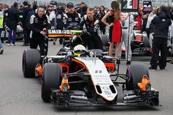 Sergio Perez, Sahara Force India F1 VJM09 sur la grille