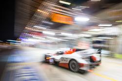 Pit stop for #6 Toyota Racing Toyota TS050 Hybrid: Стефан Сарразан, Майк Конвей, Камуі Кобаясі