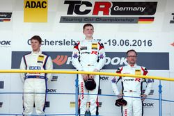 Podium: race winnaar Dominik Fugel, Team Honda ADAC Sachsen, tweede Mike Halder, Liqui Moly Team Eng