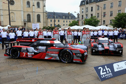 #7 Audi Sport Team Joest Audi R18: Marcel Fassler, Andre Lotterer, Benoit Tréluyer and #8 Audi Sport