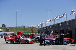 Ryan Reed, Roush Fenway Racing, Ford; Darrell Wallace Jr., Roush Fenway Racing, Ford