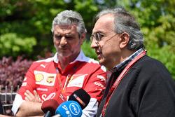 Sergio Marchionne, Presidente de Ferrari y CEO de Fiat Chrysler automóviles y Maurizio Arrivabene, director del equipo Ferrari en la Conferencia de prensa