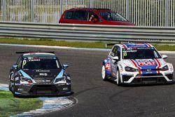 Attila Tassi, B3 Racing Team Hungary, Seat León TCR; Mikhail Grachev, Liqui Moly Team Engstler, Volk