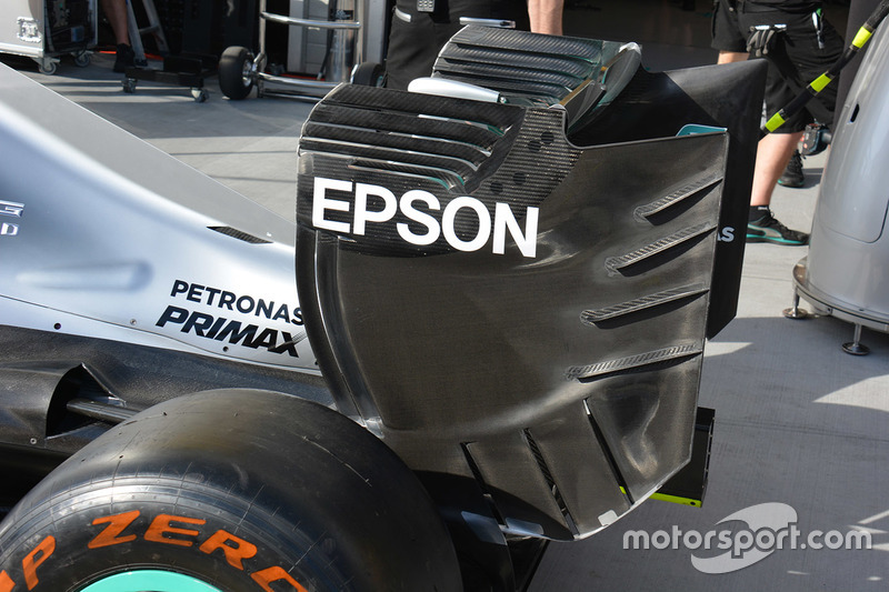 Mercedes AMG F1 W07 Hybrid rear wing detail