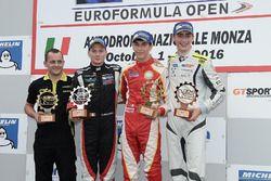 Podium: race winner Leonardo Pulcini, Campos Racing, second place Damiano Fioravanti, RP Motorsport, third place Ferdinand Habsburg, Drivex School
