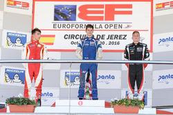 Podium: Race winne Colton Herta, Carlin Motorsport; second place Leonardo Pulcini, Campos Racing; third place Damiano Fioravanti, RP Motorsport
