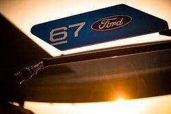 Табличка экипажа #67 Ford Chip Ganassi Racing Team UK Ford GT: Энди Приоль, Гарри Тинкнелл