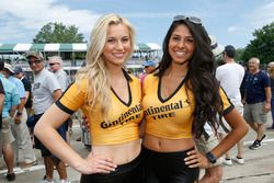 Chicas Continental Tire