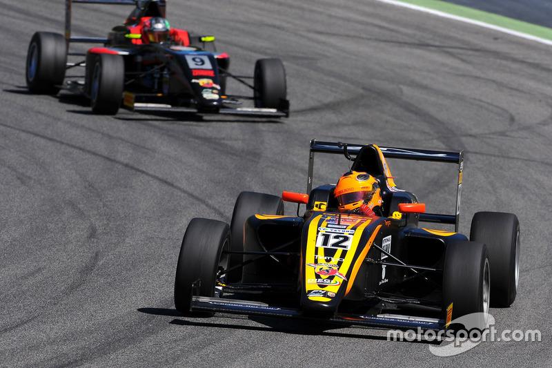 Giuliano Raucci, Diegi Motorsport leads Diego Bertonelli, RB Racing