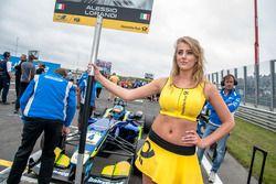 Grid girl, Alessio Lorandi, Carlin Dallara F312 - Volkswagen