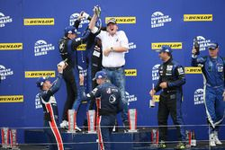 Vainqueurs LMP3: #19 Duqueine Engineering Ligier JSP3: David Hallyday, David Droux, Dino Lunardi