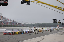 Cars stopped on pit road due to fog