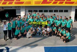 Mercedes AMG F1 Team celebrando la victoria