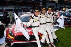 Deuxième place pour #88 AMG-Team AKKA ASP, Mercedes-AMG GT3: Renger Van der Zande, Tristan Vautier, Felix Rosenqvist