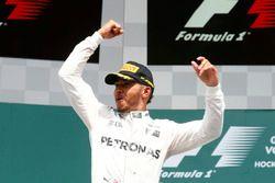 Podium: winner Lewis Hamilton, Mercedes AMG F1