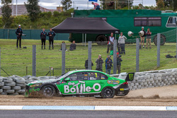 Mark Winterbottom and Dean Canto, Prodrive Racing Australia Ford runs out