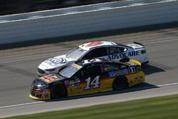 Tony Stewart, Stewart-Haas Racing, Trevor Bayne, Roush Fenway Racing Ford