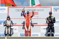 Podio gara 1: il vincitore Leonardo Pulcini, secondo Ferdinand Habsburg, terza, Tatiana Claderon