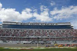 Start: Chase Elliott, Hendrick Motorsports Chevrolet leads