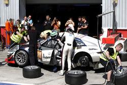 Pitstop, #911 Herberth Motorsport Porsche 991 GT3 R: Daniel Allemann, Ralf Bohn, Robert Renauer, Alf