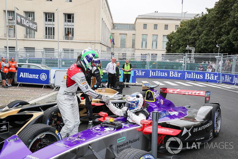 Lucas di Grassi, Audi Sport ABT Schaeffler, si congratula con Sam Bird, DS Virgin Racing