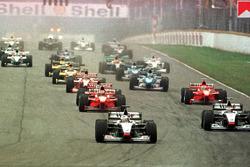 Mercedes teamgenoten David Coulthard en Mika Hakkinen