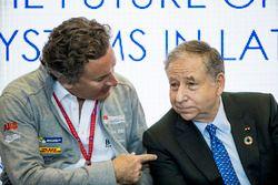 Alejandro Agag, PDG de la Formule E, parle à Jean Todt, président de la FIA