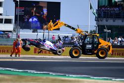 Brendon Hartley, Scuderia Toro Rosso STR13 after crash