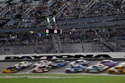 Ryan Blaney, Team Penske, Ford Mustang Pirtek leads Elliott Sadler, JR Motorsports, Chevrolet Camaro Chevrolet ARMOUR Chili on the restart
