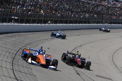 Scott Dixon, Chip Ganassi Racing Honda, Robert Wickens, Schmidt Peterson Motorsports Honda