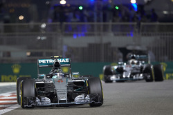 Nico Rosberg, Mercedes F1 W06, leads Lewis Hamilton, Mercedes F1 W06