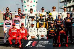 Групповое фото гонщиков Ф1