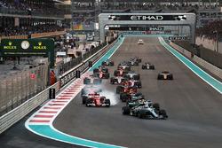 Valtteri Bottas, Mercedes-Benz F1 W08 mène au départ