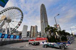 Daniel Abt, Audi Sport ABT Schaeffler, precede Mitch Evans, Jaguar Racing