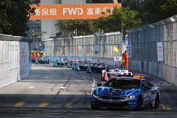 La carrera comienza detrás del Safety Car