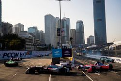 Maro Engel, Venturi Formula E Team precede Nick Heidfeld, Mahindra Racing