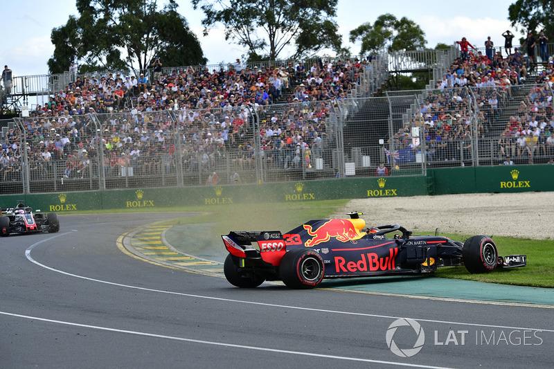 Макс Ферстаппен, Red Bull Racing RB14, розворот