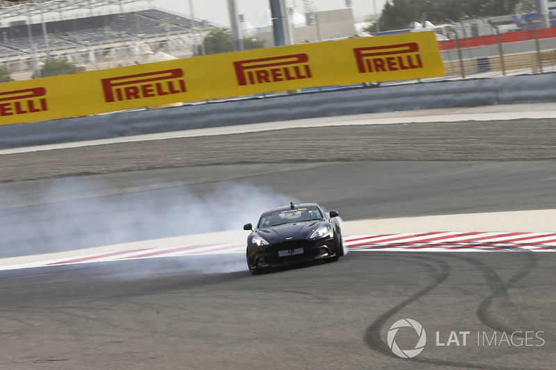 Pirelli hot laps con Daniel Ricciardo, Red Bull Racing